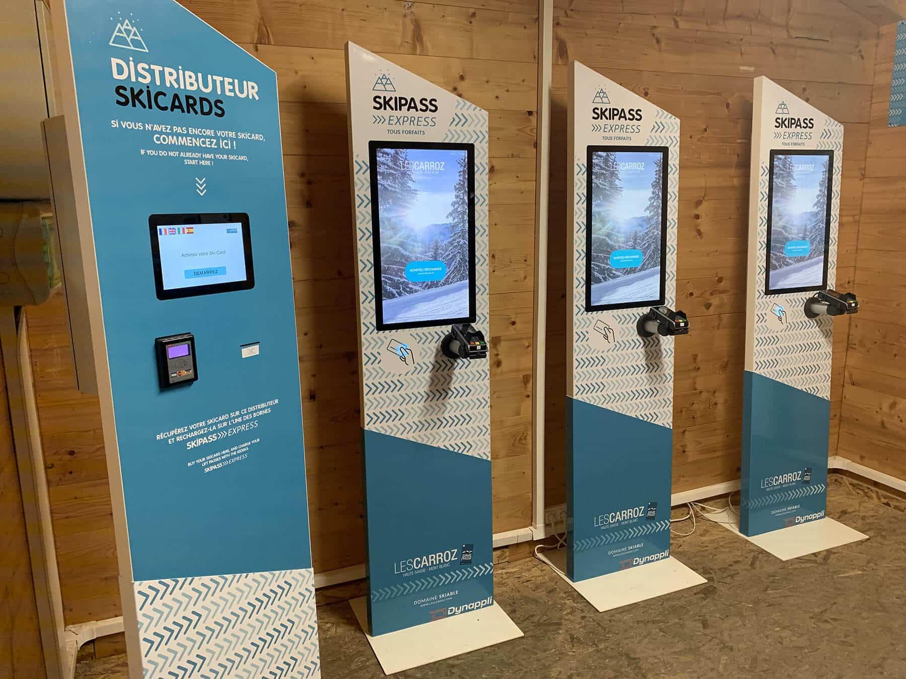 Automate-de-distribution-de-ski-card-espace-digital-les-Carroz-d'Arraches